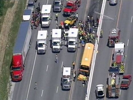 Dozens injured after bus carrying college students crashes in Kentucky | Wonderful Words: A Journey To Journalism. | Scoop.it