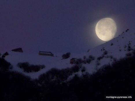La lune tombe sur Grascouéou - Philippe Villette's Photos | Facebook | Vallée d'Aure - Pyrénées | Scoop.it