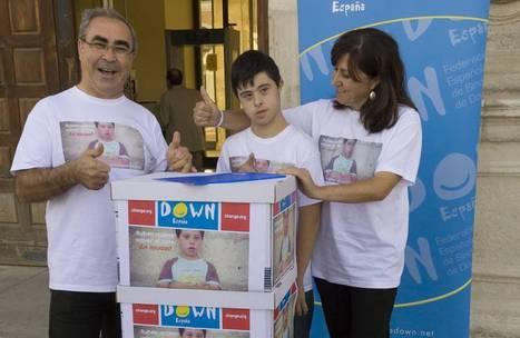 Los medios de comunicación se vuelcan con la entrega de firmas a favor de una educación inclusiva para Rubén - Down España | Boletín - Federación Síndrome de Down de Castilla y Léon | Scoop.it