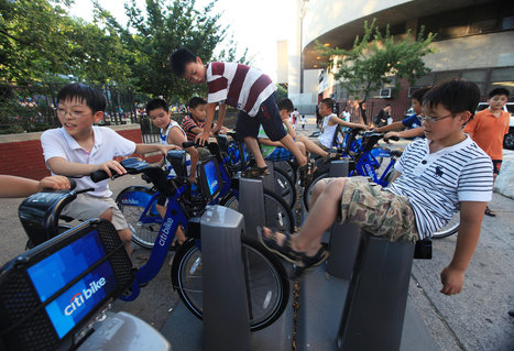 Bike-Sharing Docks Also Serve as Gyms or Trash Cans | Peer2Politics | Scoop.it