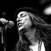 Le poing levé de Patti Smith et le gros son de Neil Young - le Monde | Bruce Springsteen | Scoop.it