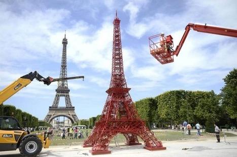 La marque de chaises Fermob construit une 2e Tour Eiffel constituée de 324 chaises | streetmarketing | Scoop.it