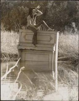 Annea Lockwood » Piano Transplants (1967-71)   DESARTSONNANTS - CRÉATION SONORE ET ENVIRONNEMENT - ENVIRONMENTAL SOUND ART - PAYSAGES ET ECOLOGIE SONORE   Scoop.it