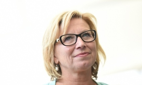 Rosie Batty launches anti-domestic violence app for young women | Women of The Revolution | Scoop.it