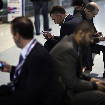With mobile technology, 8-hour day fades away: Your Say - USA TODAY | Technology, Teaching and Me | Scoop.it