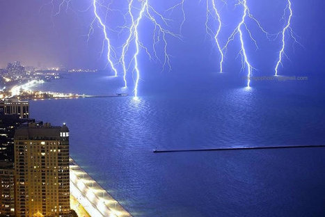 12 Incredible Lightning Images Taken From Around The World | Nature and Travel | Scoop.it