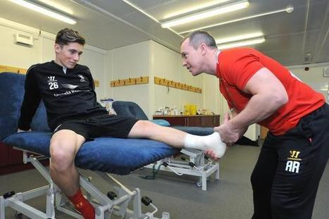 Liverpool Academy Exclusive Q&A: Andrew Renshaw, Head of Physiotherapy - Bleacher Report | Osgood Schlatters : Diagnosis Treatment Cure | Scoop.it
