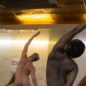 Le yoga nu, une audacieuse « célébration du corps » - Le Monde | Yoga, santé et sport | Scoop.it