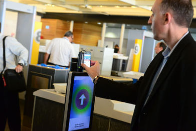 Air France lets passengers board planes with NFC | NFC technology | Scoop.it