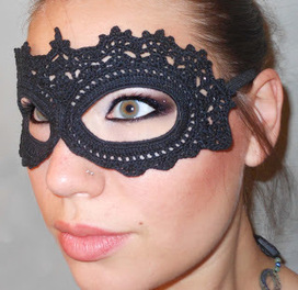 Craft Disasters and other Atrocities: Crochet Lace Masquerade Mask | Needle and Hook Patterns-all free | Scoop.it