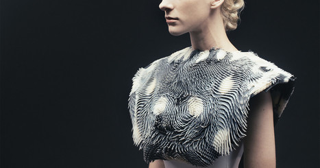 3-D Printed Garment Shape-Shifts Based on an Onlooker's Gaze | SensiLab | Scoop.it