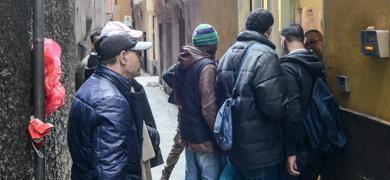 La via crucis a Genova per una doccia | #chicercate | Scoop.it