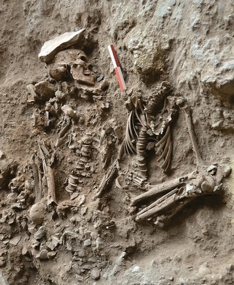 Mysterious Pair Buried With Flowers—Oldest Example Yet | Ancient Origins of Science | Scoop.it