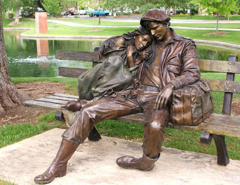 Bronze sculpture of a Couple on a park bench | Moya | Scoop.it