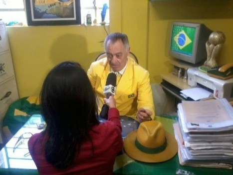 Brazilian Soccer Fan Has Been Wearing His Country's National Colors Every Day for the Last 20 Years | Strange days indeed... | Scoop.it