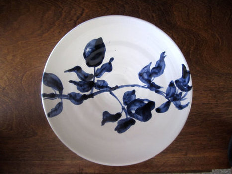 Indigo blue and white plate , rose branch plate, Home Decor | Claymania | Scoop.it