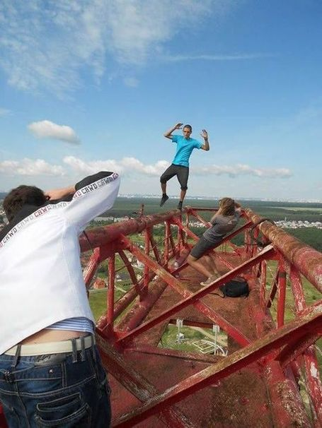 Ukrainian Spider-Man Performing Vertigo-Inducing Stunts Claims Fear Does Not Exist | Strange days indeed... | Scoop.it