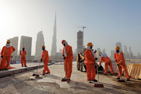 Enquête sur les déracinés, travailleurs immigrés au Moyen-Orient - National Geographic | Les Emirats arabes unis : progrès, démesure et inégalités. | Scoop.it