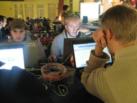 Les pirates informatiques étaient à Jeumont: «on pourrait hacker son micro-ondes ou une poêle à frire» | Pédagogie hacker | Scoop.it