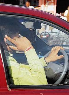 Caught driving and on phone will cost you your licence - Bangalore Mirror | Joy civic foundation | Scoop.it