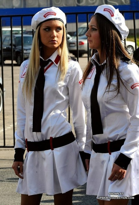 Candid street uniformed girls | voyeur | Scoop.it