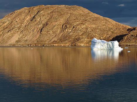 #Hurtigruten MS Fram à Sydkap  ce matin #Groenland #Scoresbysund | Hurtigruten Arctique Antarctique | Scoop.it