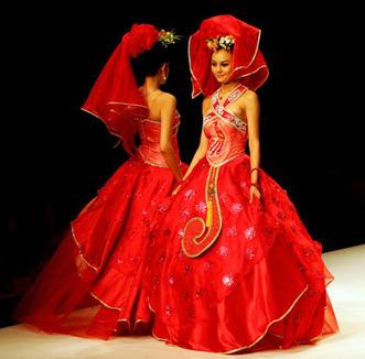 Western wedding veil or chinese phoenix crown? | Wedding Dress Inspiration | Scoop.it