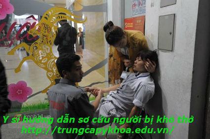 Y sĩ Hướng dẫn cách sơ cứu người bị khó thở | thongtintuyensinh | Scoop.it