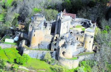 Bonaguil assiégé par le comique  sous toutes ses formes | Actualité touristique Fumel-Vallée du Lot | Scoop.it