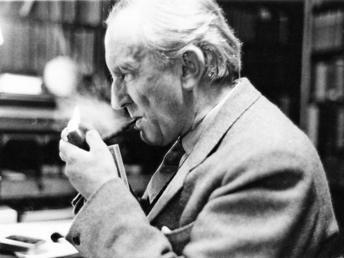 JRR Tolkien's translation of Beowulf to be published after 88 years | Nerdy Needs | Scoop.it