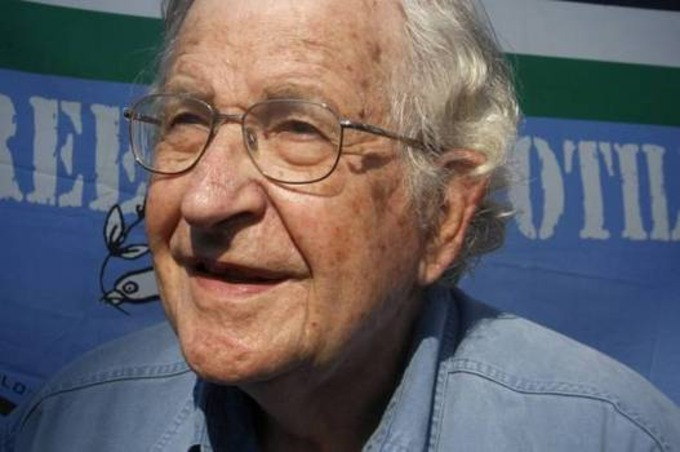 """Noam Chomsky on Russia: """"The worst-case scenario, of course, would be a nuclear war"""" 