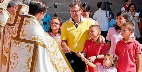 EN LA JORNADA MARIANA DE LA FAMILIA   Anuario 13-14   Scoop.it