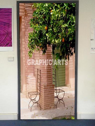 Décoration adhésive de porte - Cour au Maroc- Graphicarts | Lettrage adhésif et impression numérique | Scoop.it