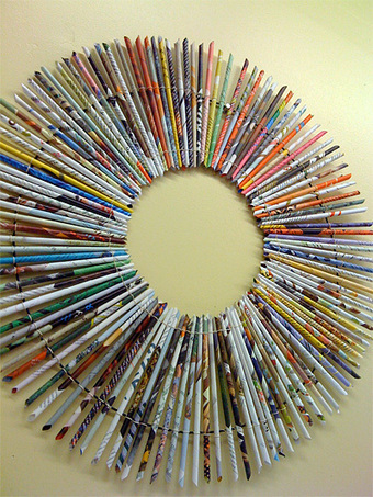 Dollar Store Crafts » Blog Archive » Make a Rolled Paper Wreath   idées diverses...   Scoop.it