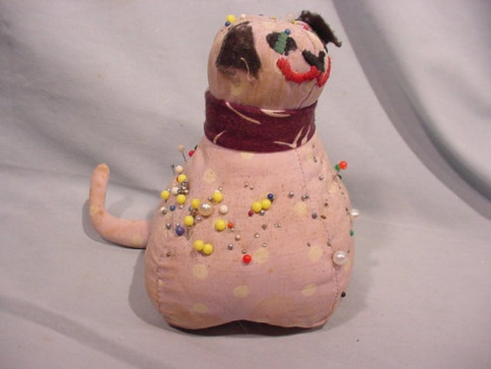 Sweet Little Pin Cushion Smiling Kitten Cat Hand Made Filled with Pins | Antiques & Vintage Collectibles | Scoop.it
