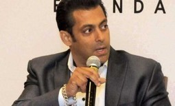 Actor Salman Khan to donate money 2,500 water tanks | Super Bolly | www.SuperBolly.com | Scoop.it