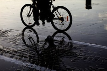 Showers and change rooms tempt cyclists out in the cold | Sustain Our Earth | Scoop.it