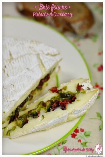 Brie fourré pistache et cranberry | thevoiceofcheese | Scoop.it