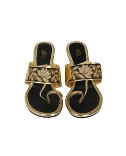 Buy shoes for women online | Women's footwear | Women shoes sandals | Buy indian apparel | Scoop.it