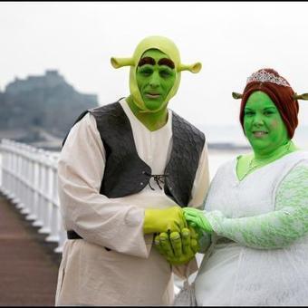 Ils se sont mariés en Shrek et Fiona!   Mais n'importe quoi !   Scoop.it