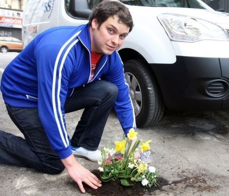 The man who plants flowers in potholes | Gardening Life | Scoop.it