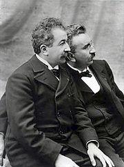 13 février 1895 : Louis et Auguste Lumière<br/><br/>déposent le brevet du Cinématographe | Racines de l'Art | Scoop.it