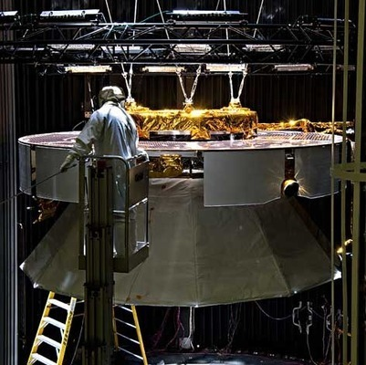 Freight stage made clear to one of many samples in a vacuum chamber | VIM | Scoop.it