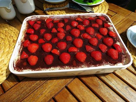 Recette de dessert aux meringues à la fraise ou aux framboises   Enfants, cuisine, jeux, activités, déguisements, décorations   Scoop.it
