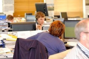 Office workers 'should stand for two hours' while on the job | The Health Story | Scoop.it