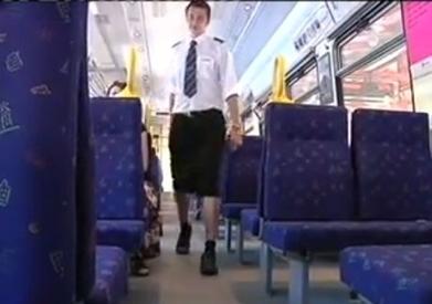 En Suède, ils portent des jupes pour demander l'autorisation du port des shorts - L'actu qui buzze   Insolite, Weird News   Scoop.it