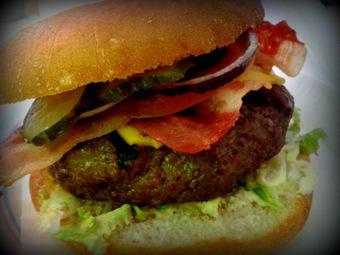 La hamburguesa 'Tommy Mel's' | #DIRCASA - El Buen Comer!!!! | Scoop.it