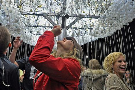 An Interactive Cloud Made of 6,000 Light Bulbs | Colossal | DESIGN | Scoop.it
