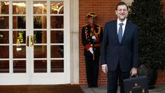 Rajoy promete que, si vuelve a ganar las elecciones, llevará algo de ropa a La Moncloa y dejará un cepillo de dientes | Partido Popular, una visión crítica | Scoop.it