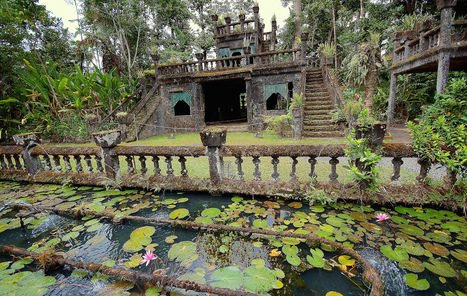 The Party Castle Forgotten in the Jungle for Half a Century | Urban Exploration | Scoop.it